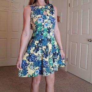 Dresses & Skirts - Gabby Skye Floral Dress